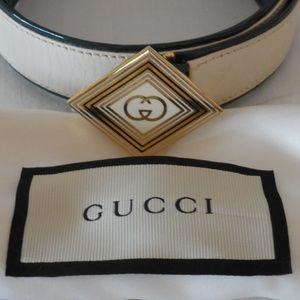 "$350~GUCCI~Ivory Diamond Enamel ""GG"" Logo Belt~32"""